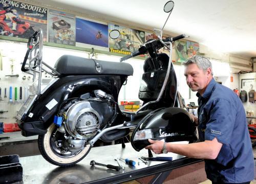 Josef Leitgeb - Werkstatt, Moped